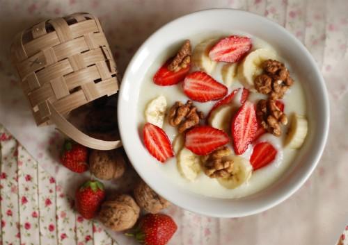 Макароны с молоком и фруктами в мультиварке