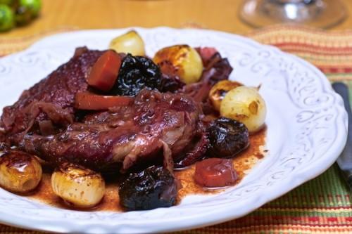 Мясо с черносливом в мультиварке
