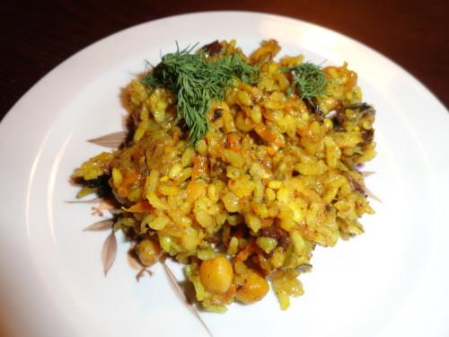 Рис с куриной печенью и зеленым горошком в мультиварке