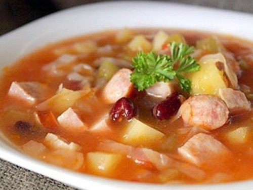 Суп из кончервированной фасоли в мультиварке