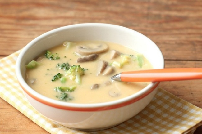 Сырный суп с грибами в мультиварке