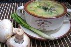 Кусочек Франции в тарелке – сырный суп с грибами