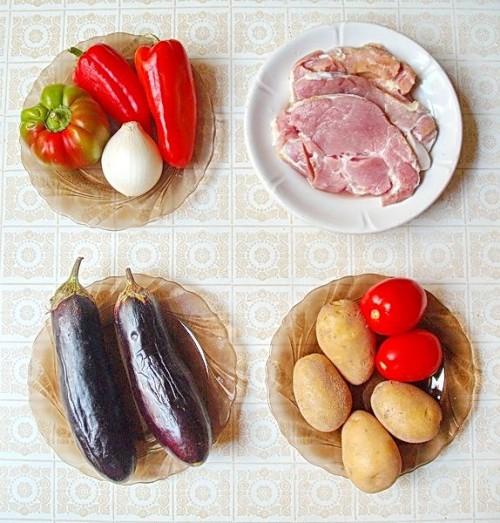 Свинина с овощами рагу в мультиварке